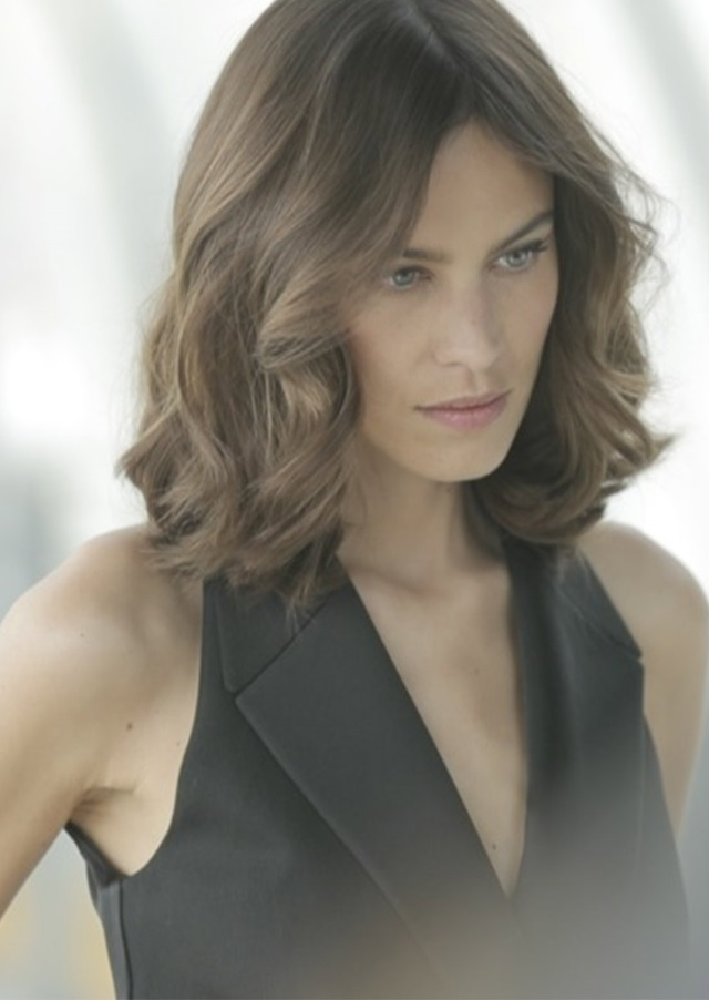 Parisian Cool With Alexa Chung Loral Professionnel